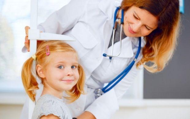 Ύψος παιδιών: Δείτε το ιδανικό ανά ηλικία (πίνακες)