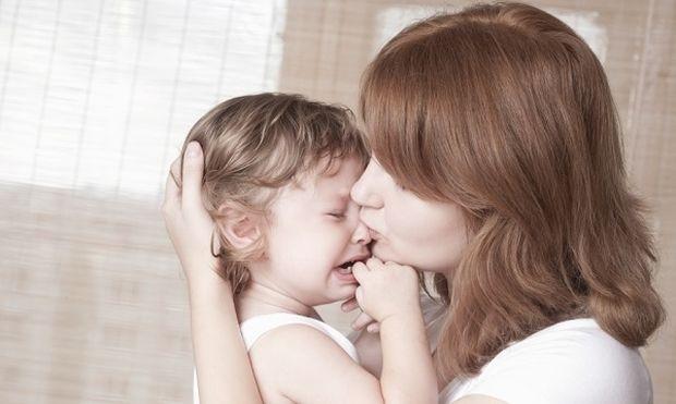 Πώς μπορεί ο γονιός να αντιδράσει στο παιδικό κλάμα;