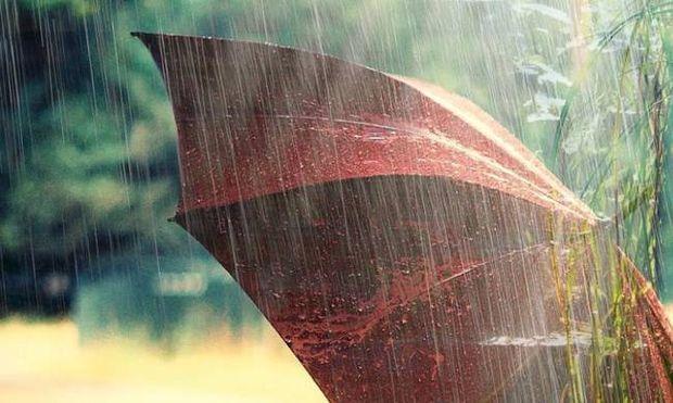 Βροχερός ο καιρός και σήμερα Κυριακή (8/5)