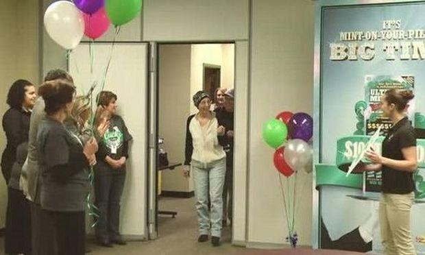 Παλεύει χρόνια με τον καρκίνο-Η τύχη όμως της χαμογέλασε! (βίντεο)