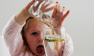 Το πείραμα που θα ξετρελάνει τα παιδιά σας! Δοκιμάστε το αμέσως μόλις πάτε σπίτι (vid)