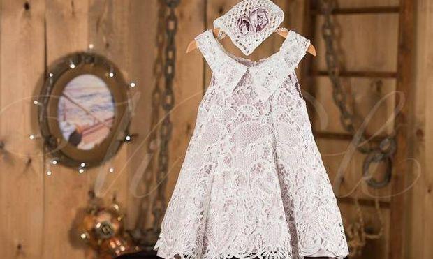Γιατί βάζουμε στο μωρό λευκά ρούχα στη βάπτιση;