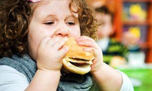 Παιδική παχυσαρκία: Πώς θα βοηθήσουμε τα παιδιά να αποκτήσουν υγιές σωματικό βάρος;