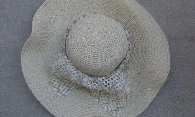 Πώς θα διακοσμήσετε το καπέλο σας! (εικόνες βήμα-βήμα)