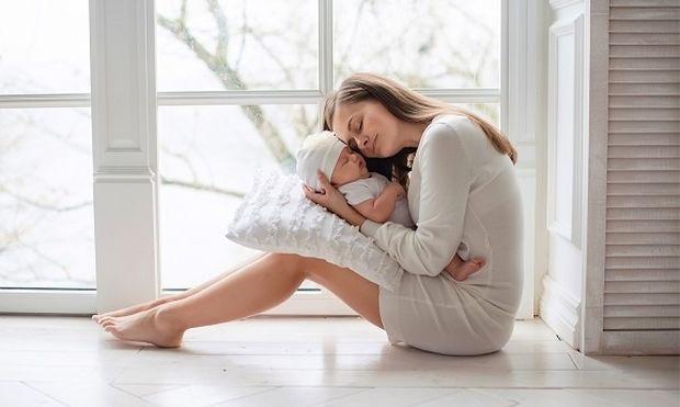 Διαβάστε εδώ πριν γίνει το μωράκι σας 6 μηνών