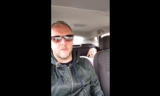 Μπαμπάς διαφωνεί με την 4χρονη κόρη του... γιατί η μικρή θέλει αγόρι! (βίντεο)