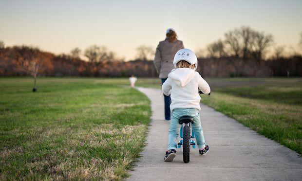 Επτά συμβουλές για να μάθετε στο παιδί σας ποδήλατο