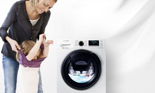 Samsung AddWash- Το «έξυπνο» πλυντήριο που θα γίνει ο καλύτερος  φίλος μιας μαμάς!