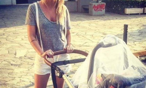 Η σύζυγος του Ελληνα τραγουδιστή έχασε σε 1,5 μήνα όλα τα κιλά της εγκυμοσύνης!