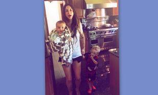 Σοφία Καρβέλα: Στην κουζίνα της στη Νέα Υόρκη με τους γιους της