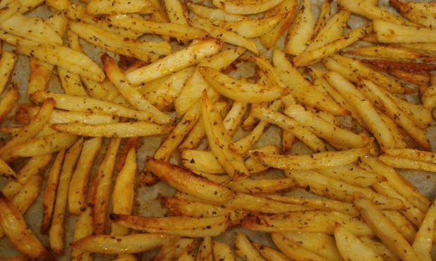 Μαμαδίστικες πατάτες φούρνου... «σαν τηγανιτές»