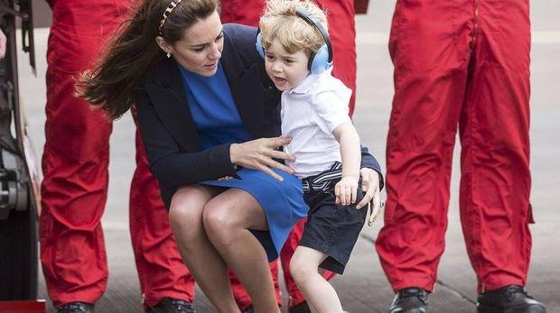 Ο πρίγκιπας Τζορτζ έχει την πρώτη δημόσια έκρηξη θυμού. Τι μπορεί να κάνει η Μίντλετον;