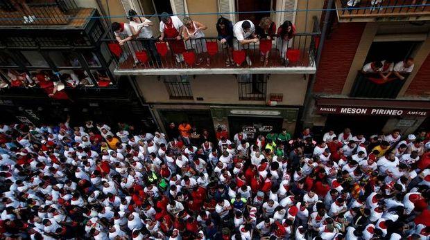 Πέντε συλλήψεις για βιασμό στις ταυροδρομίες στην Ισπανία