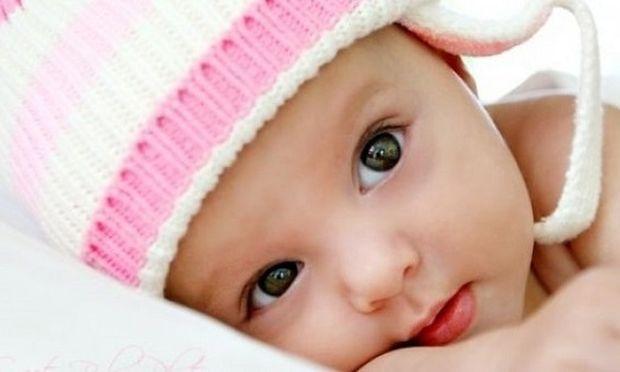 10 αξιολάτρευτα πράγματα που μόνο τα μωρά κάνουν (βίντεο)