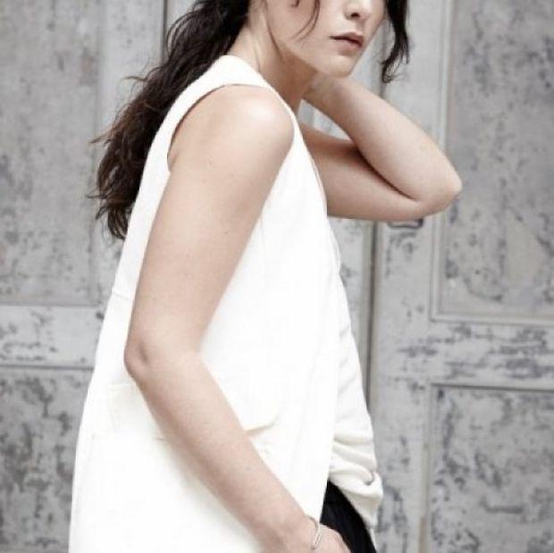 Η γνωστή τραγουδίστρια βρέθηκε σε ελληνικό νησί, ενώ περιμένει το πρώτο της παιδάκι
