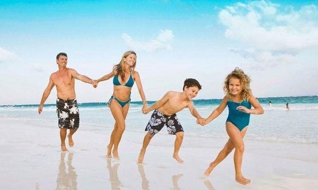 Τα 5 πράγματα που πρέπει να γνωρίζουν οι γονείς για ένα ασφαλές καλοκαίρι