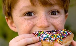 Παιδική παχυσαρκία: Πότε ένα παιδί θεωρείται υπέρβαρο και πότε όχι (πίνακας)
