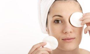 Μάσκες ματιών: 6 σπιτικές μάσκες που θα σας βοηθήσουν να εξαφανίσετε πρησμένα μάτια και μαύρους κύκλους