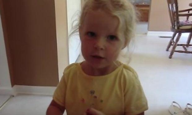 Απολαυστικό: Δείτε τη μικρή να λέει με το δικό της τρόπο ποιες είναι οι ημέρες της εβδομάδας (βίντεο)