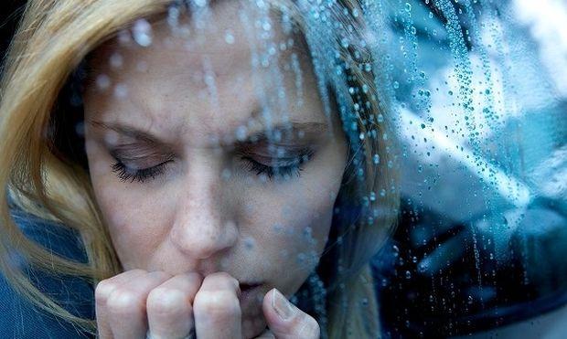 Ποια είναι τα σημάδια που μαρτυρούν ότι έχετε κατάθλιψη και ότι δεν είστε απλά θλιμμένη