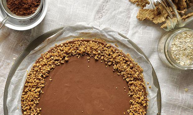 Εύκολες συνταγές για γλυκά: Τούρτα μόνο με 3 υλικά!