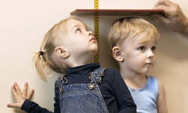 Υπολογίστε πόσο ψηλό θα γίνει το παιδί σας!