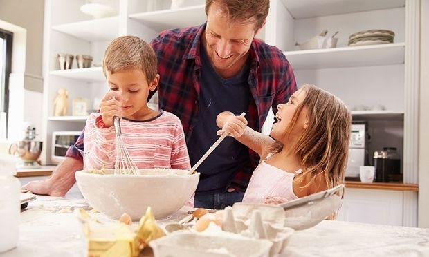 8 πρακτικά πράγματα που πρέπει να μάθει το παιδί μέχρι να γίνει 10 ετών