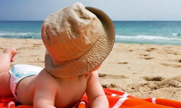 Οι πρώτες διακοπές με το μωρό: Τι πρέπει να γνωρίζετε