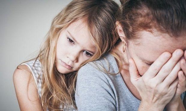 Τα παιδιά με καταθλιπτικούς γονείς και παππούδες έχουν διπλάσιο κίνδυνο να εμφανίσουν ψυχικές παθήσεις