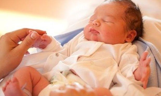 Τι συμβαίνει τις πρώτες 40 ημέρες μετά τη γέννηση του μωρού