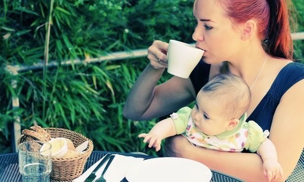 6+1 πράγματα που είναι δύσκολο να κάνουμε όσο τα παιδιά μας είναι μικρά