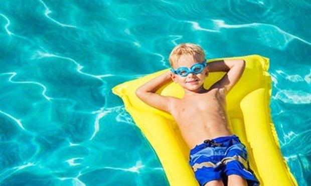 Μόλις 5 κατάλληλες παραλίες για κολύμβηση από Πειραιά μέχρι Ελληνικό