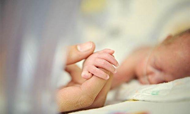 Πρόωρο μωρό: Συμβουλές για μαμάδες που έχουν «βιαστικά» μωράκια