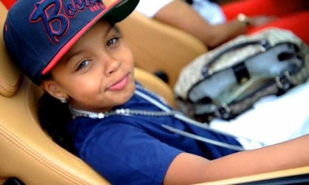 Είναι 13 χρονών και θέλει να γίνει ο βασιλιάς της ραπ