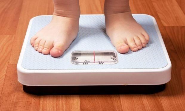 Πείραμα υποδεικνύει συσχέτιση της ώρας ύπνου και της εφηβικής παχυσαρκίας