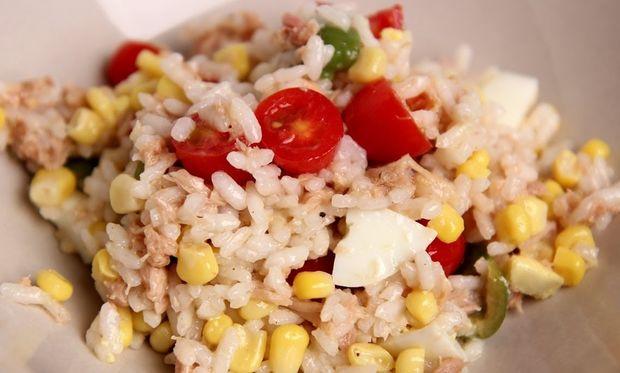 Τονοσαλάτα με ρύζι: Θρεπτική και «πλούσια»