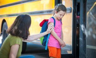 Το παιδί αρνείται να πάει στο σχολείο: 7 πρακτικές συμβουλές για γονείς