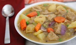 Χοιρινό λεμονάτο με πατάτες και καρότα στην κατσαρόλα