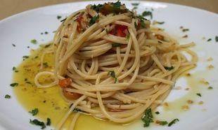 Σκορδομακάρονα «του κυρ-Αντώνη»: Νόστιμα και καυτερά!
