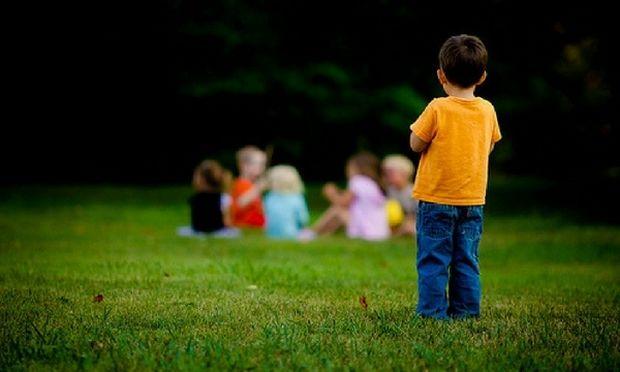 Πώς να βοηθήσουμε το παιδί μας να αναπτύξει φιλίες στο σχολείο
