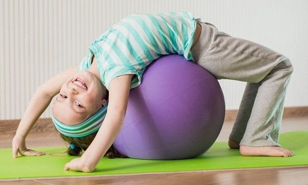 5 τρόποι για να μην «τρελαθείς» από τις δραστηριότητες των παιδιών
