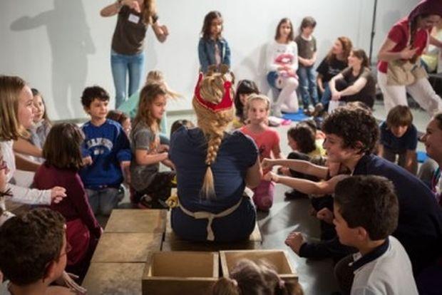 «Από το Μουσείο ως την άκρη του κόσμου»: Μία συναρπαστική παράσταση στο Μουσείο Κυκλαδικής Τέχνης
