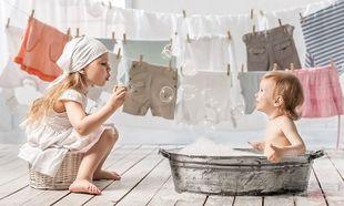 Βρεφικά ρούχα: Πώς πρέπει να πλένονται
