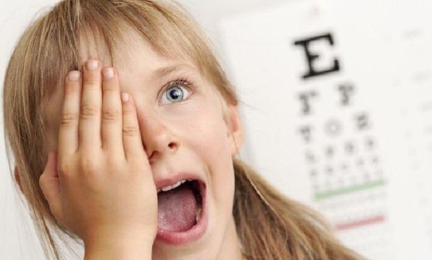 Τι πρέπει να περιλαμβάνει το τσεκάπ των ματιών στα παιδιά- Κάθε πότε πρέπει να γίνεται
