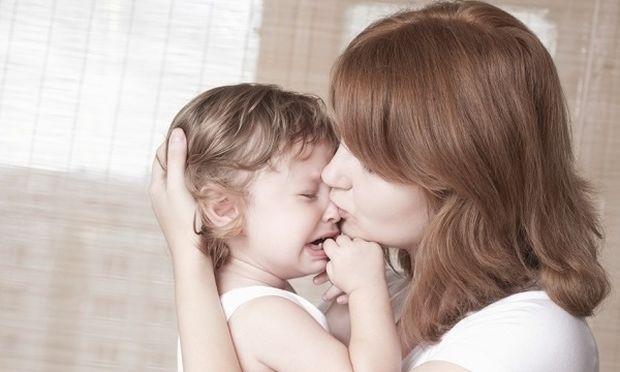 «Το παιδί μου είναι προσκολλημένο πάνω μου, τι να κάνω;»