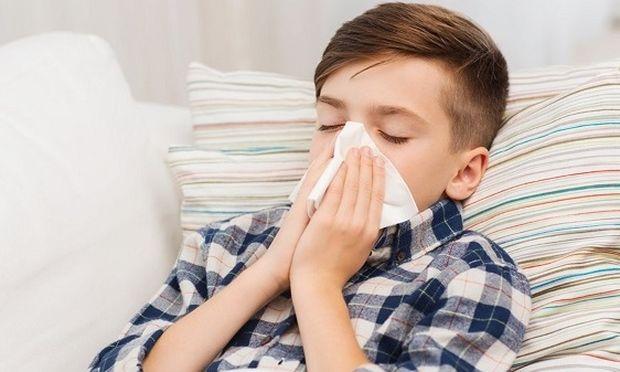 Mυστικά για να ενισχύσετε το ανοσοποιητικό του παιδιού σας και να προλάβετε τα κρυολογήματα