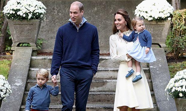 Η πριγκίπισσα Charlotte, είπε την πρώτη της κουβέντα δημόσια (βίντεο)