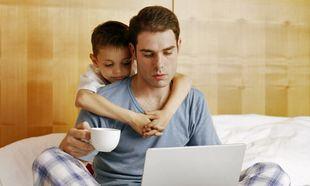 Δέκα πράγματα που καλό θα ήταν να μη λέει ο μπαμπάς σε μια νέα μαμά