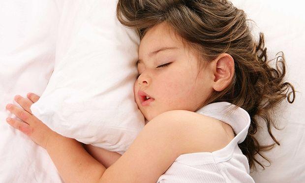 Το παιδί δε θέλει να πάει για ύπνο: Τι μπορείτε να κάνετε