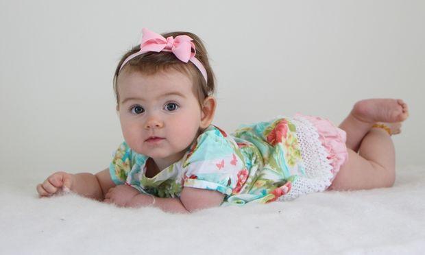 Βρέφος 8 μηνών: Τι μπορεί να κάνει ένα μωρό μέχρι τον 8ο μήνα